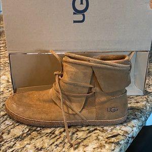 Brand new never worn Ugg Reid Booties size 9